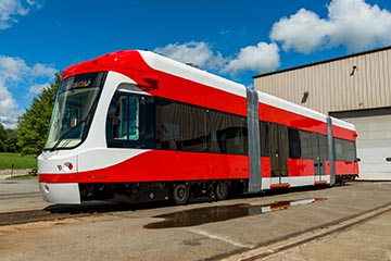 BROOKVILLE Delivers First Off-Wire Capable Liberty Streetcar to
